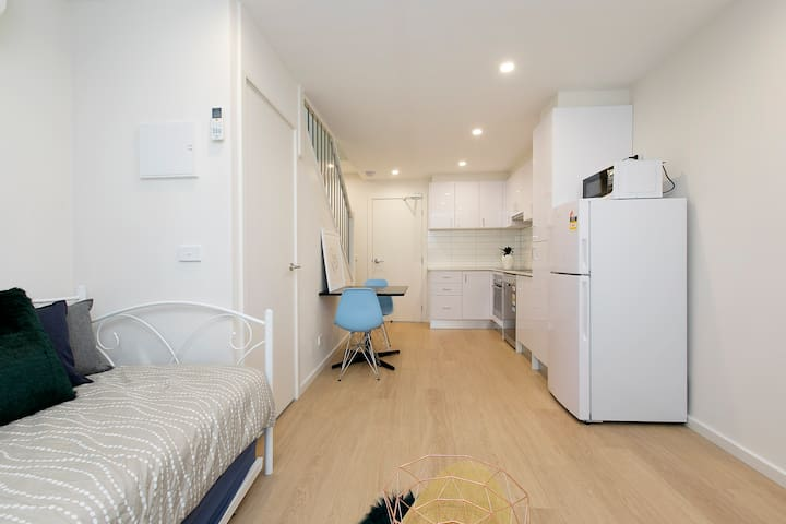 Domi Rentals - The Carlisle Apartments