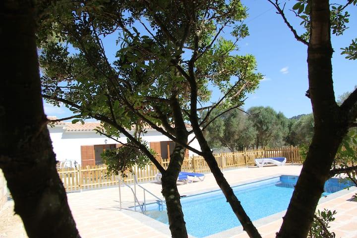 FeWo 2 auf idyllischer Finca mit Pool Garten&Tiere