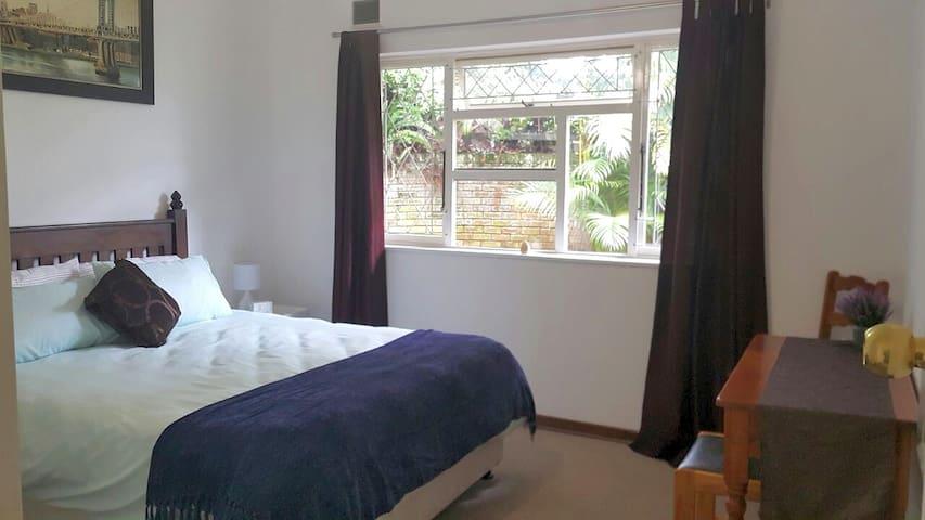 Sunbird Cottage, Westville, Durban - Westville - Apartment