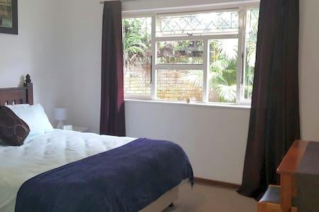 Sunbird Cottage, Westville, Durban - Westville