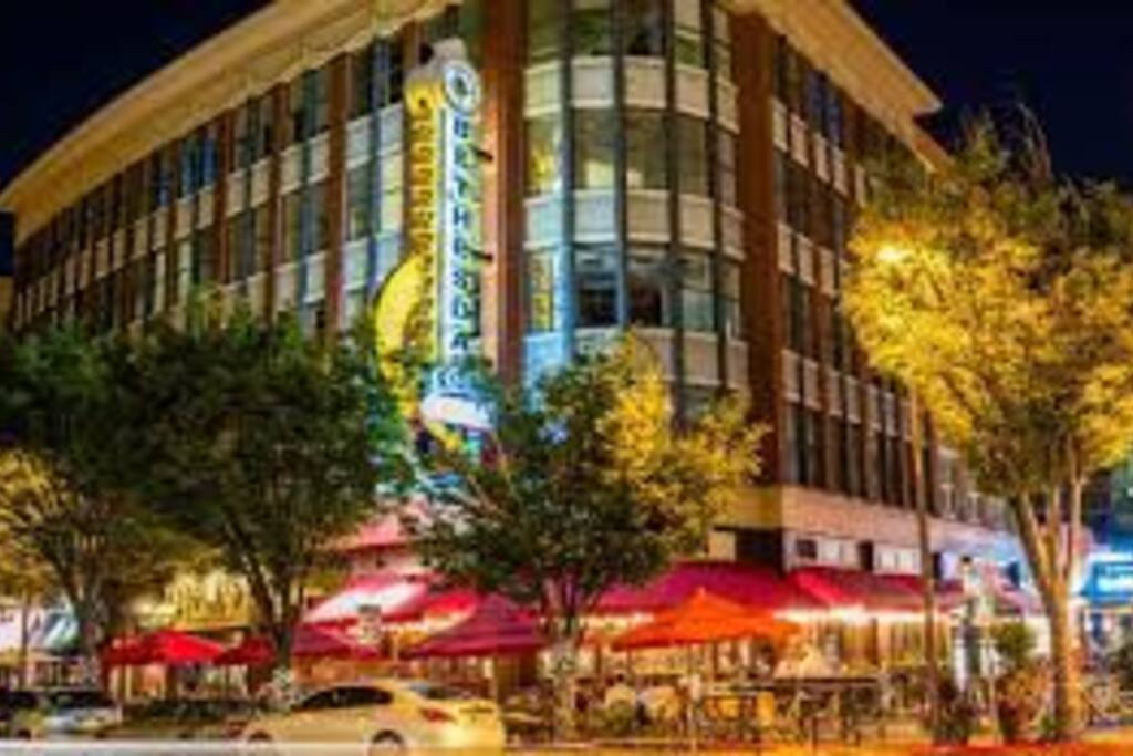 Walkable to all Bethesda restaurants, retail & entertainment
