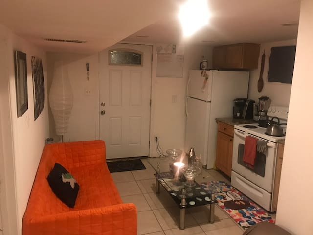"""A Nights Rest """"1 Br Apartment Suite"""" Full Access"""
