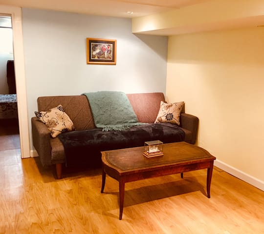 Sweet + Inviting Toronto Midtown One Bedroom Apt
