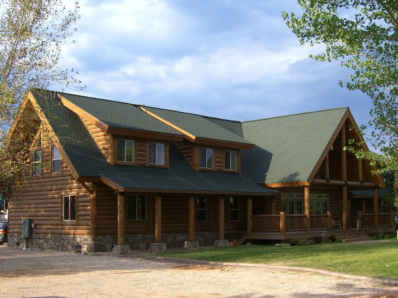 Papa Bear Lodge