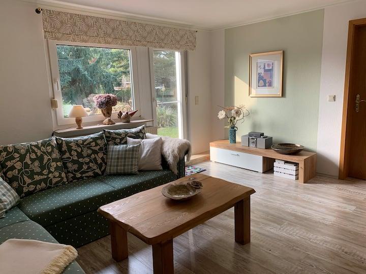 Große helle Garten Wohnung für 2 Personen