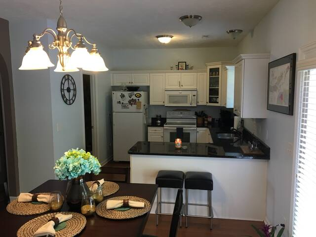 Town home 3 miles from downtown! - Nashville - Rivitalo