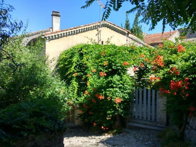 Proche Rivière Ardeche - maison - Balazuc - Hus
