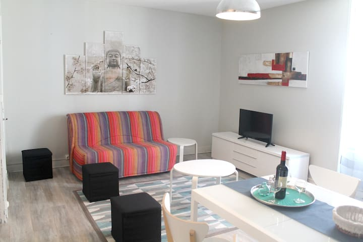 Beautiful apt in Duras & Wifi