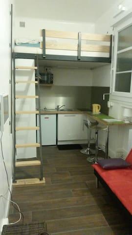 Petit studio intra muros