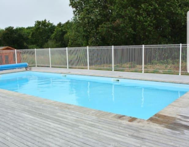 CHALET 4 personnes tout équipé avec piscine