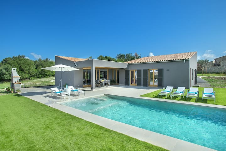 Exceptional Villa Mir for a Luxury Stay