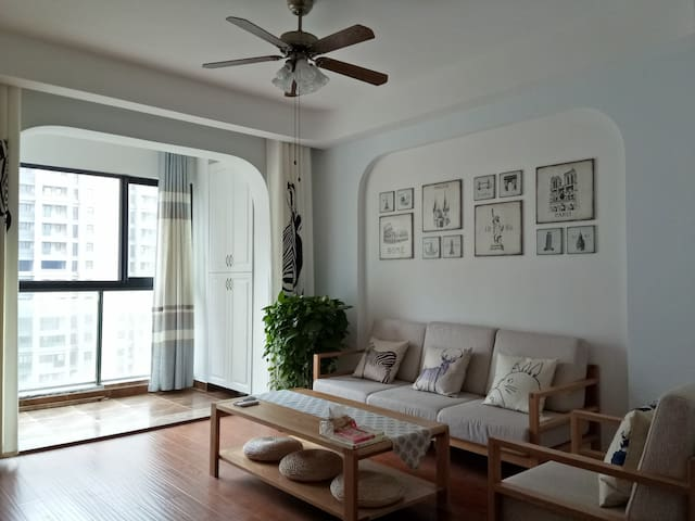 a cozy apartment nearby HangNing express way exit - Huzhou