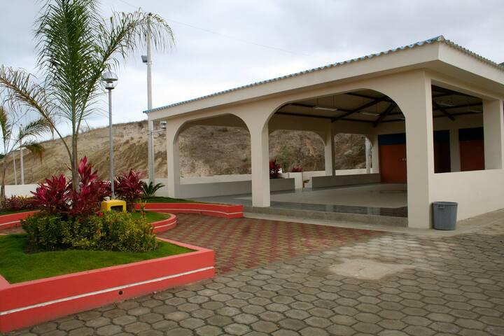 ALLYOUNEEDISECUADOR - Manta - Casa
