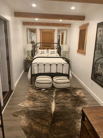 Cute, Stylish Guest Suite