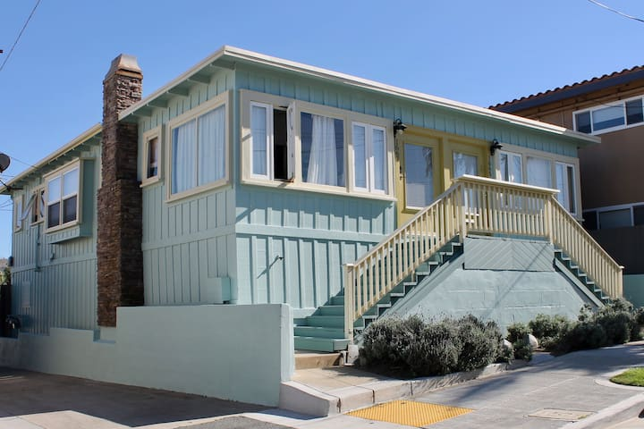 Air Conditioned Ocean Views Cottage Steps to Beach - San Diego - House