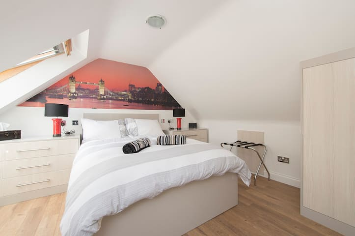 Luxury studio apartment - Ilford - Loft