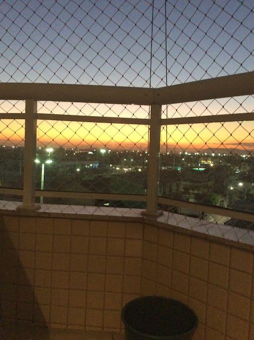 Por do sol da varanda atracao a parte no fim de tarde