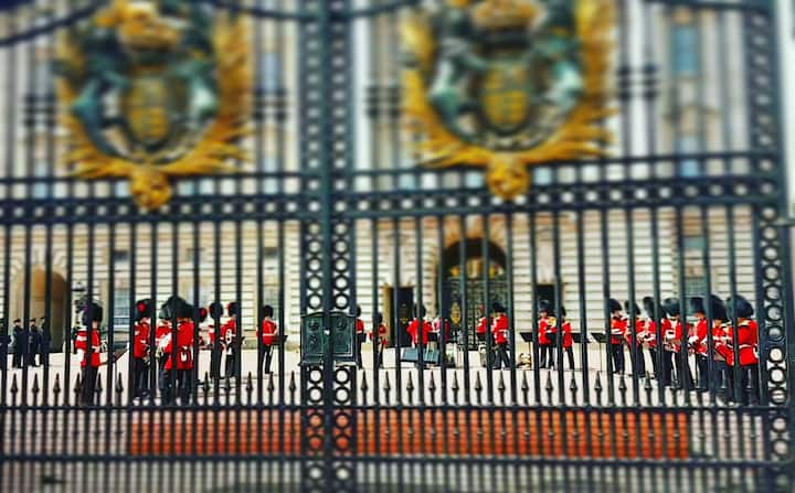 Looking through the gates of the Palace