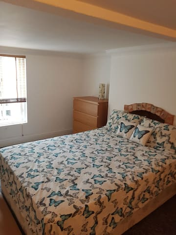 Lovely Room to rent in Reading town centre