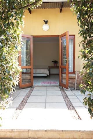 Beautiful Garden Courtyard House