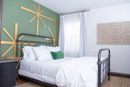 ☀️Guests Love the Bed! Tons of Thoughtful Touches!