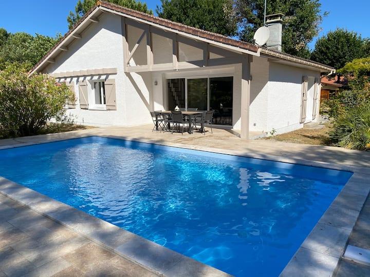 Villa entièrement rénovée avec piscine chauffée