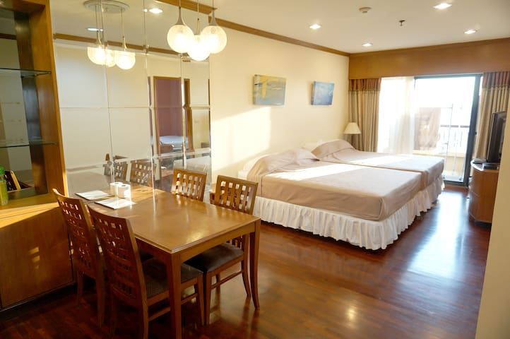 3BR 90sqm. The Best, Cheapest, Clean, Convenient - Bangkok - Apartment