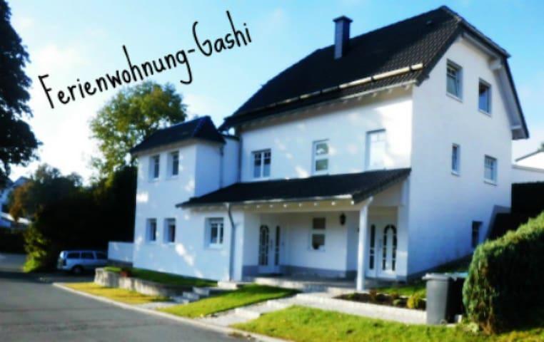 Ferienwohnung Gashi (Winterberg/Stadt) -, Fewo für 4 Personen mit Terrasse