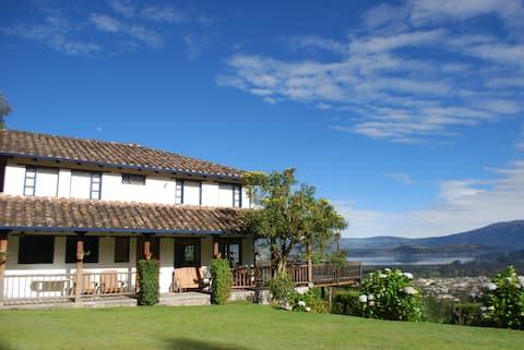 Casa La Martina, Lago San Pablo