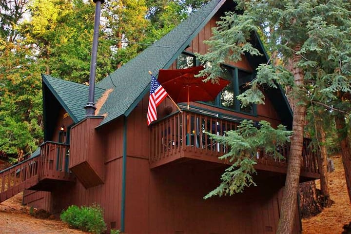 2BR + Loft Lake Arrowhead Cabin - Lake Arrowhead - Cabaña
