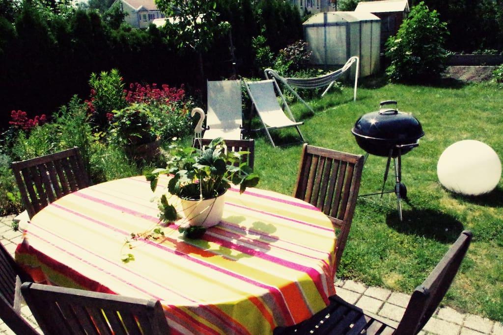 Garten mit Grill