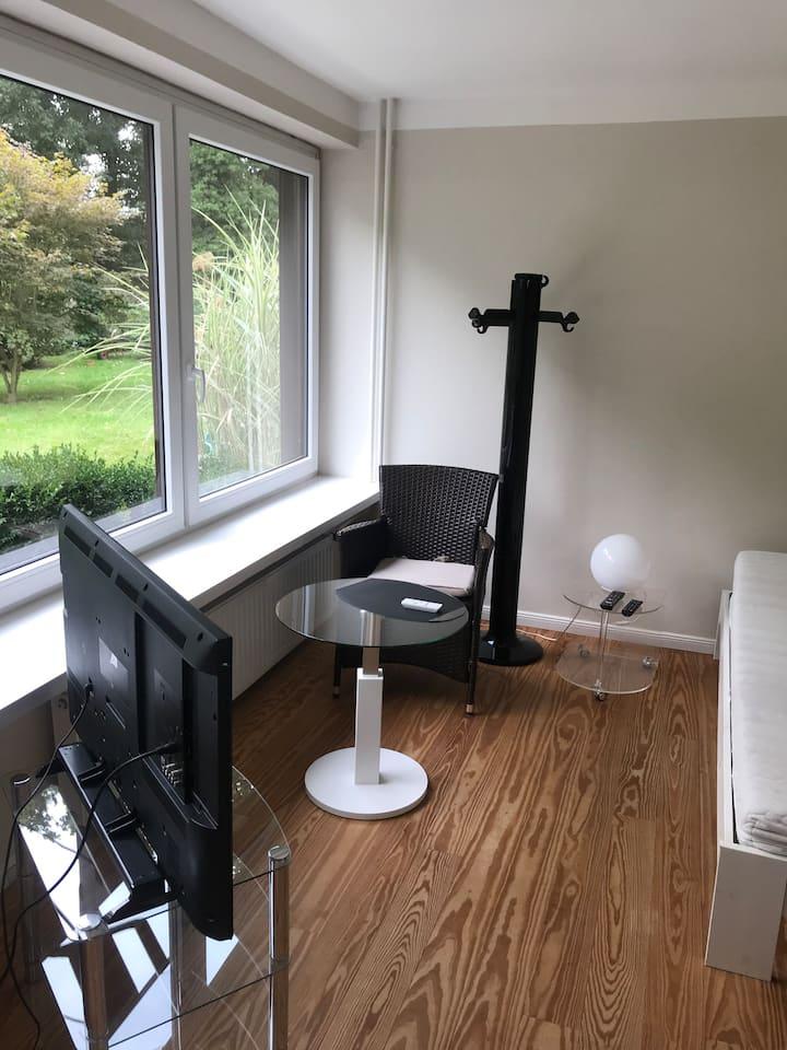 Zimmer mit eigenem Eingang, Hamburger Umland