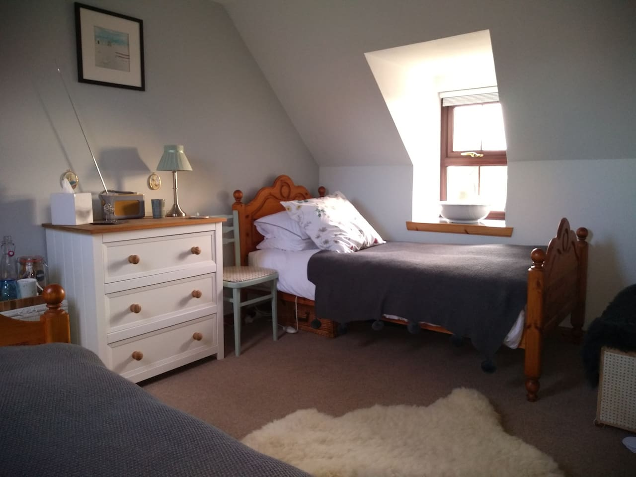 Our cosy twin bedded room.