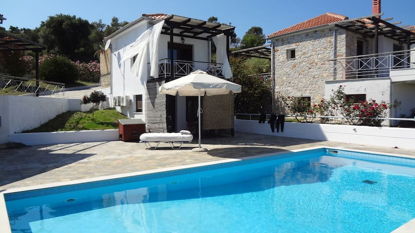 Cosy House with pool - Skiathos - Huis