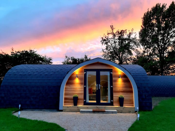Cardamon Pod heated glamping in Suffolk