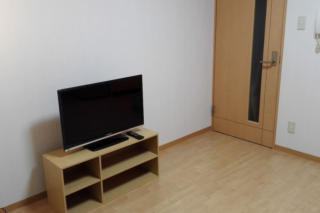 The room is really quiet and clean. You can enjoy your Sapporo life.