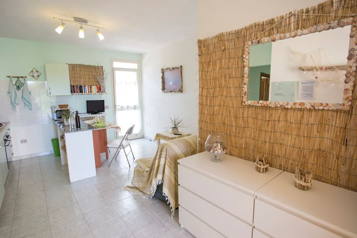 Liebevoll eingerichtetes Apartment, 5 min vom Meer - Posada - Apartment