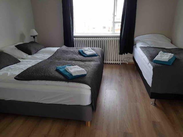 Höfði guesthouse, room for 3 people w/breakfast