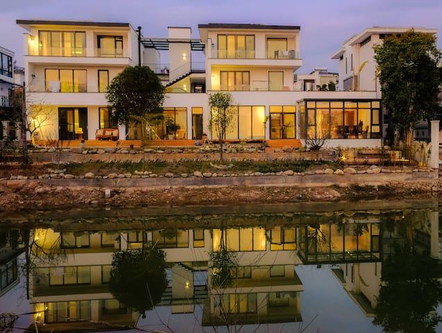 自在小筑莳花房老街边横江上桃花岛度假区公园里的家