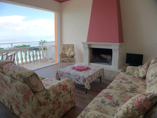 Anna seafront apartment 2nd floor with living room - Kerkira