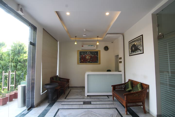 Deluxe AC Room With Bathtub near Ranthambore Park