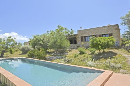 FONT - Country house with swimming pool in Artá