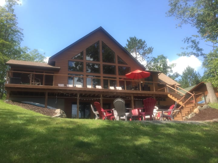 Beautiful, NEW, spacious cabin on Balsam Lake!