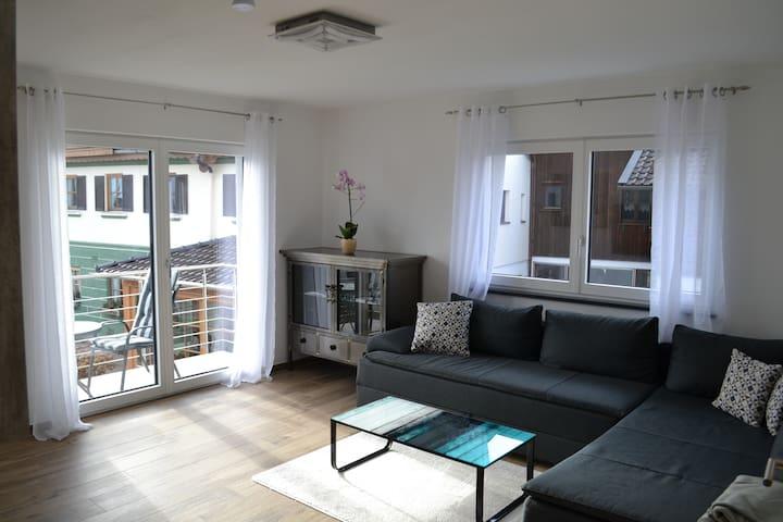 Wohnzimmer mit Bergblick von der Couch