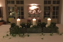 The table with Christmas centrepiece