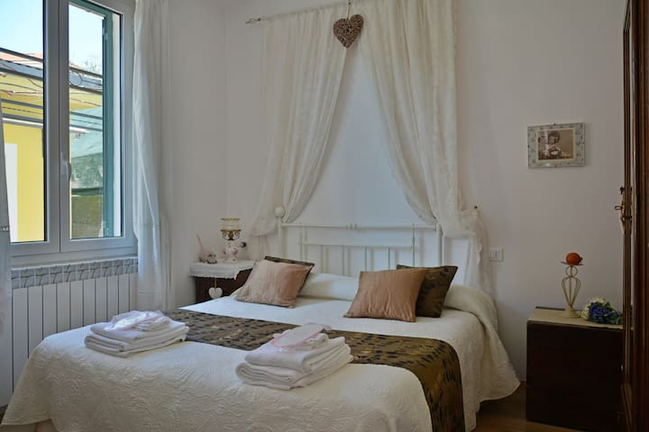 "Casa vacanze ""Casa Cinò"" - Imperia - House"