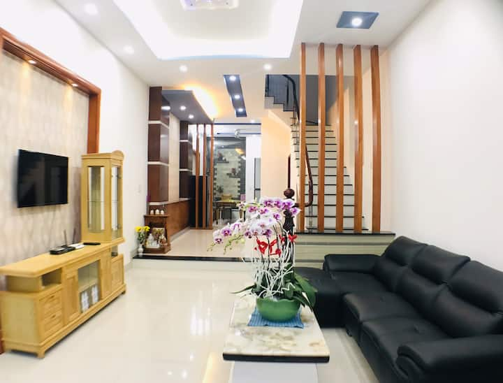 Phuc's house (3 bedrooms,4 wc) suitable for family