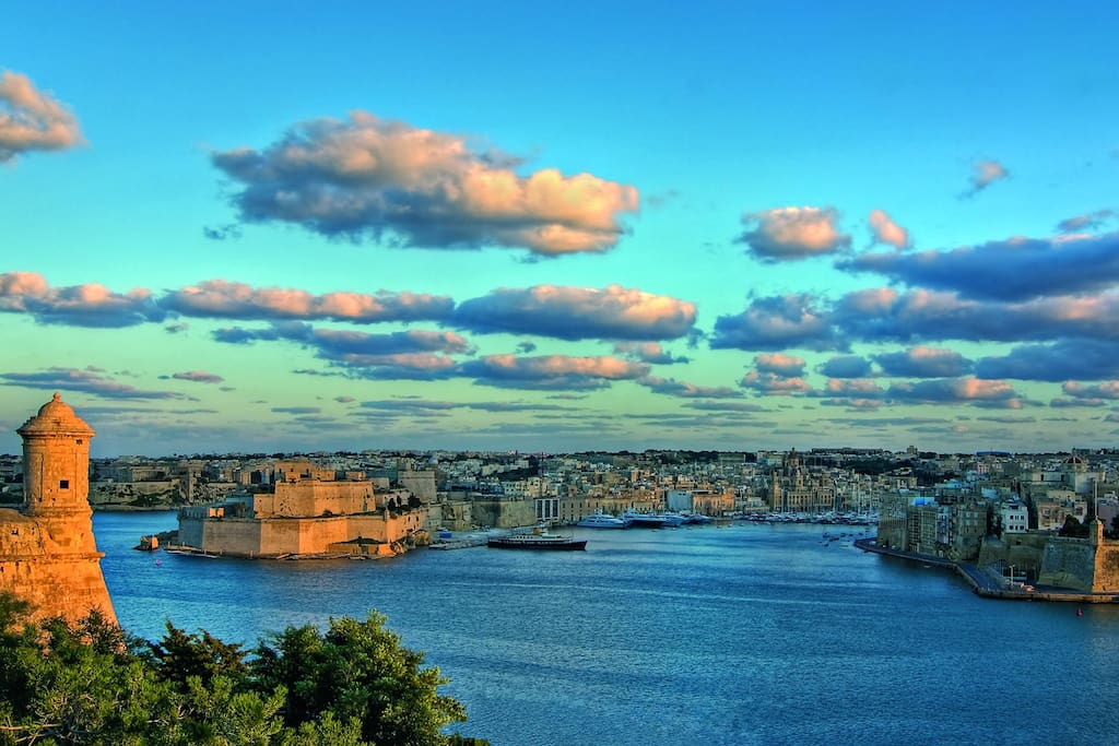 Grand Harbor of Malta (within 15 minutes drive)