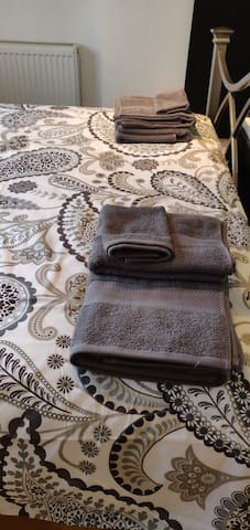 Towels provided for guests