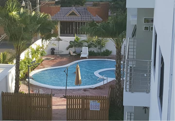 Pool, wifi, private apart for family and friends